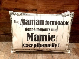 """Coussin """"Maman/Mamie"""""""