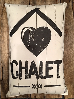 """Coussin """"Chalet xox"""""""