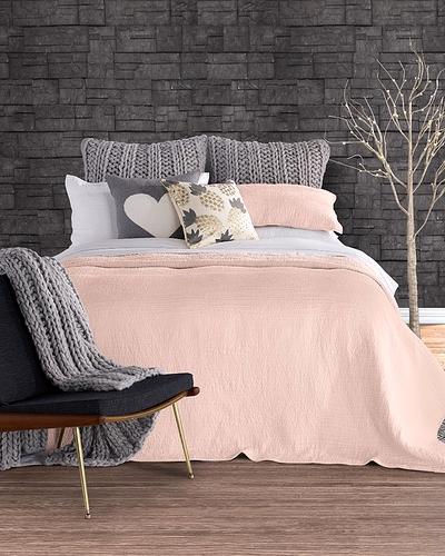 literie en solde rose bon bon. Black Bedroom Furniture Sets. Home Design Ideas