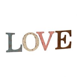 """Ensemble de lettres """"Love"""""""