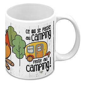 """Tasse """"Ce qui se passe au camping"""""""