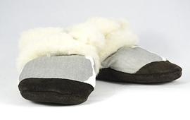 PETITS MINOUS - Pantoufles fourrées de laine 'Mistigris'
