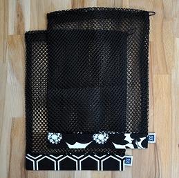 Le Noir et le Blanc - 2 moyens sacs (filet noir)