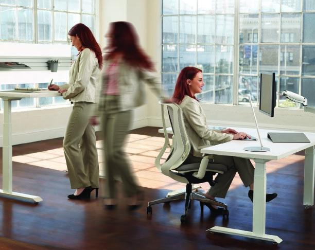 Les bienfaits pour la santé du travail assis debout au bureau
