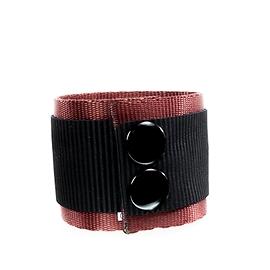 Bracelet homme cuir recyclé noir sur rouge