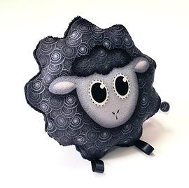 Mini peluche mouton noir