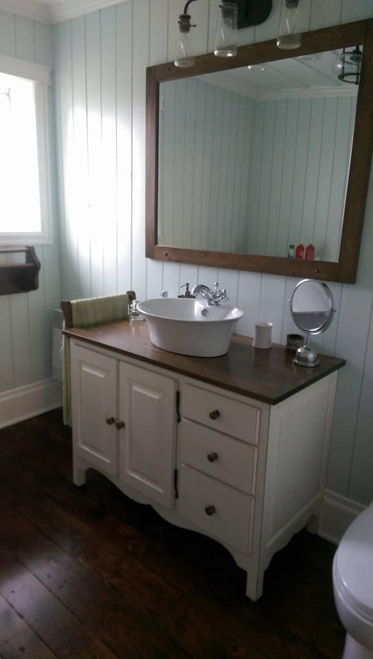 excellent meuble salle de bain pin massif de salle de bain rustique en pin finition with peindre meuble en pin - Repeindre Meuble Salle De Bain