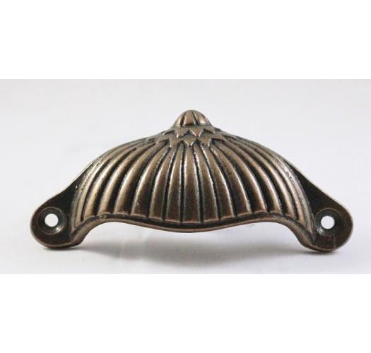 Poign e coquille ciselures laiton antique 19ab for 207 haute antiques