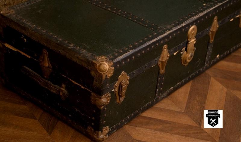 pi ces de malles et valises anciennes quincaillerie de la forge. Black Bedroom Furniture Sets. Home Design Ideas