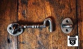 crochet de porte en fonte rustique a68v2  (400)